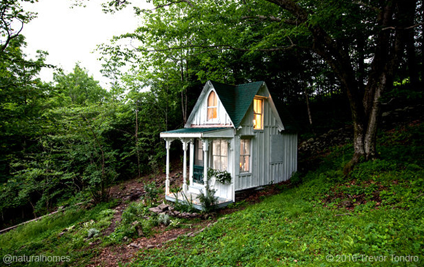 A Shabby Chic Tiny Cabin Built By A Determined Woman For 3 000