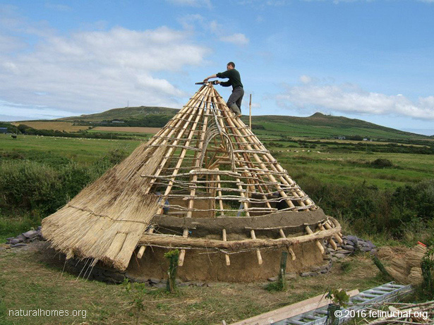 Building a celtic roundhouse here are two more welsh roundhouses built using the same techniques malvernweather Image collections