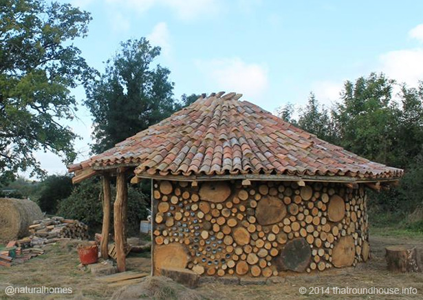 a chestnut and oak cobwood roundhouse in vausseroux france