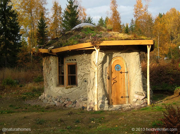 Natural Home Building : Natural homes built by inspirational women