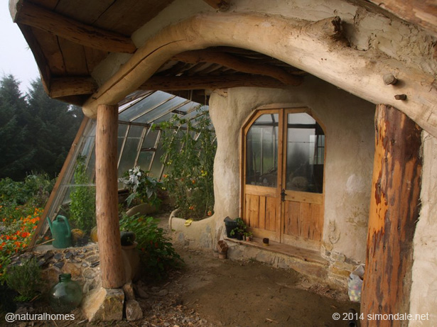 Natural homes built by inspirational people and their ...