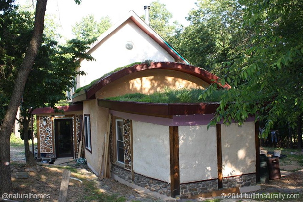 A Straw Bale And Cordwood Passive Solar Home